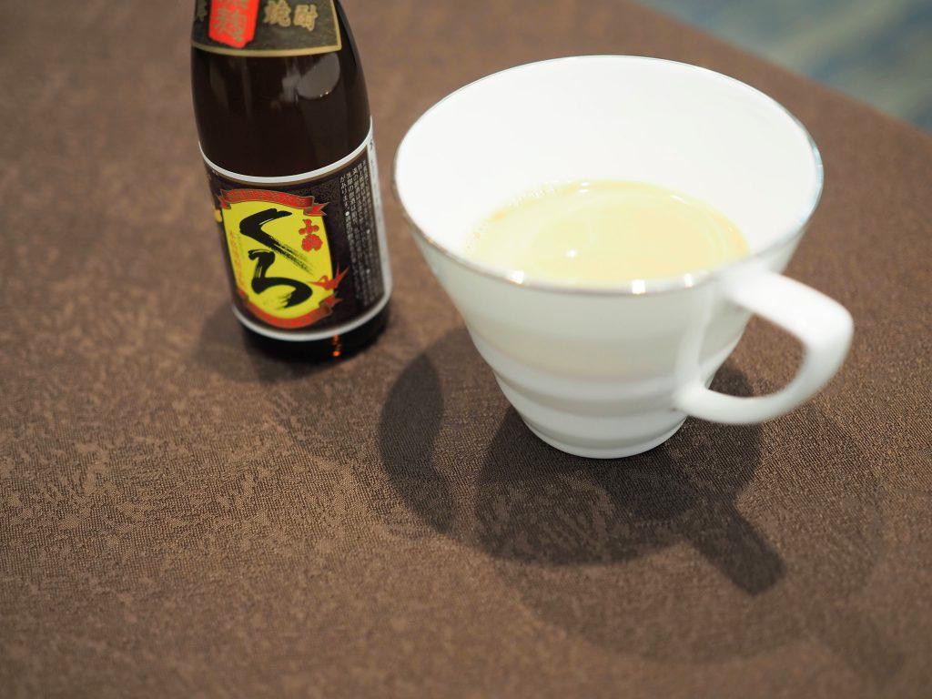小鶴くろとRoyal Potato Tea